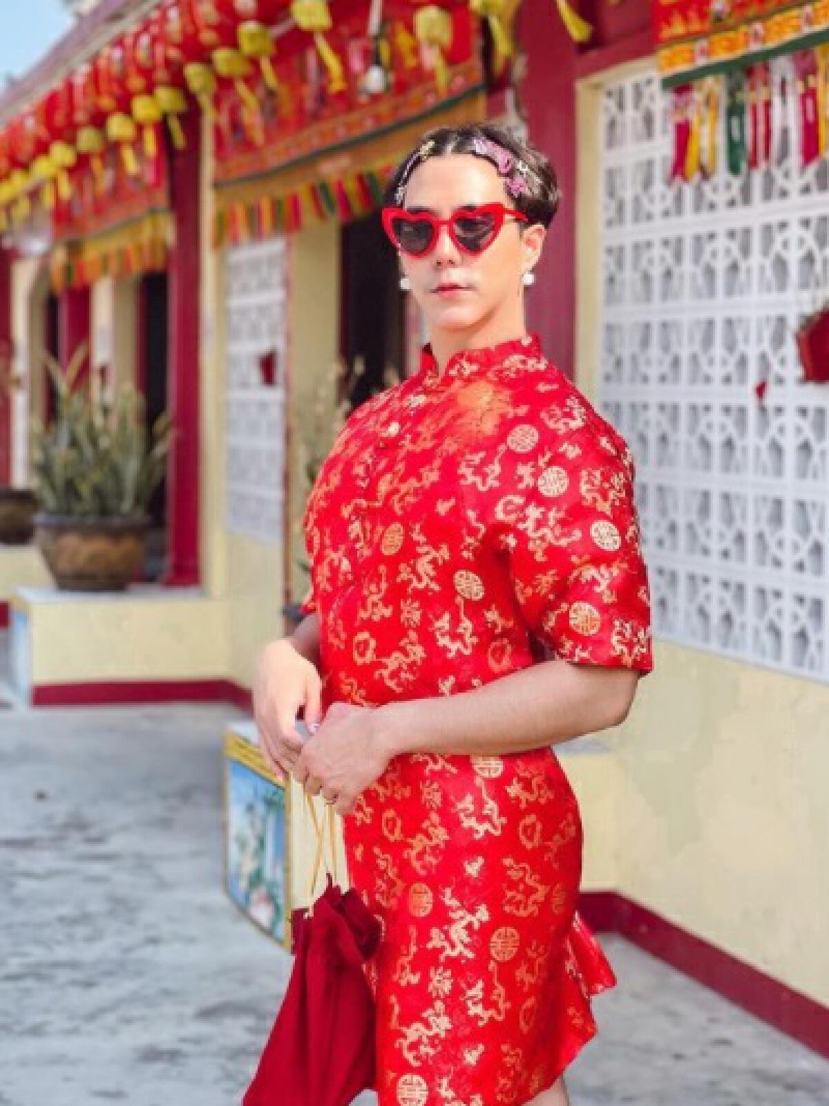 เขื่อน เคโอติก จัดเต็ม! อวดลุคอาหมวย ใส่ชุดกี่เพ้าต้อนรับตรุษจีน