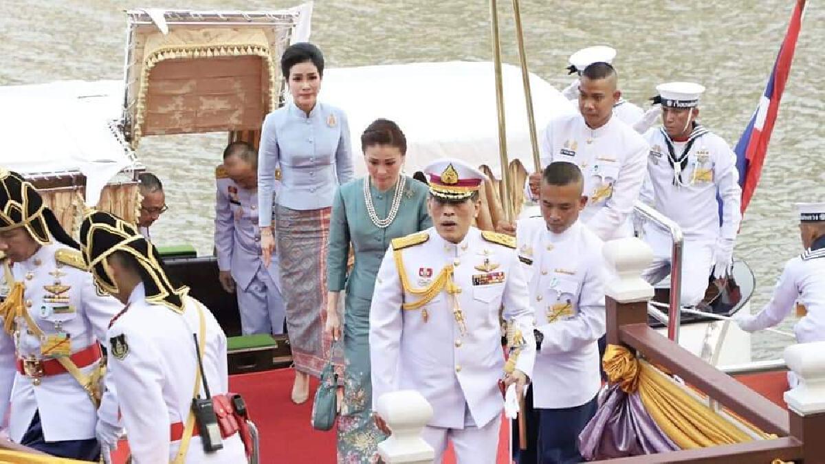 ในหลวง พระราชินี เสด็จฯ พร้อมเจ้าคุณพระฯ เปิดวิทยาลัยพระภิกษุสามเณร