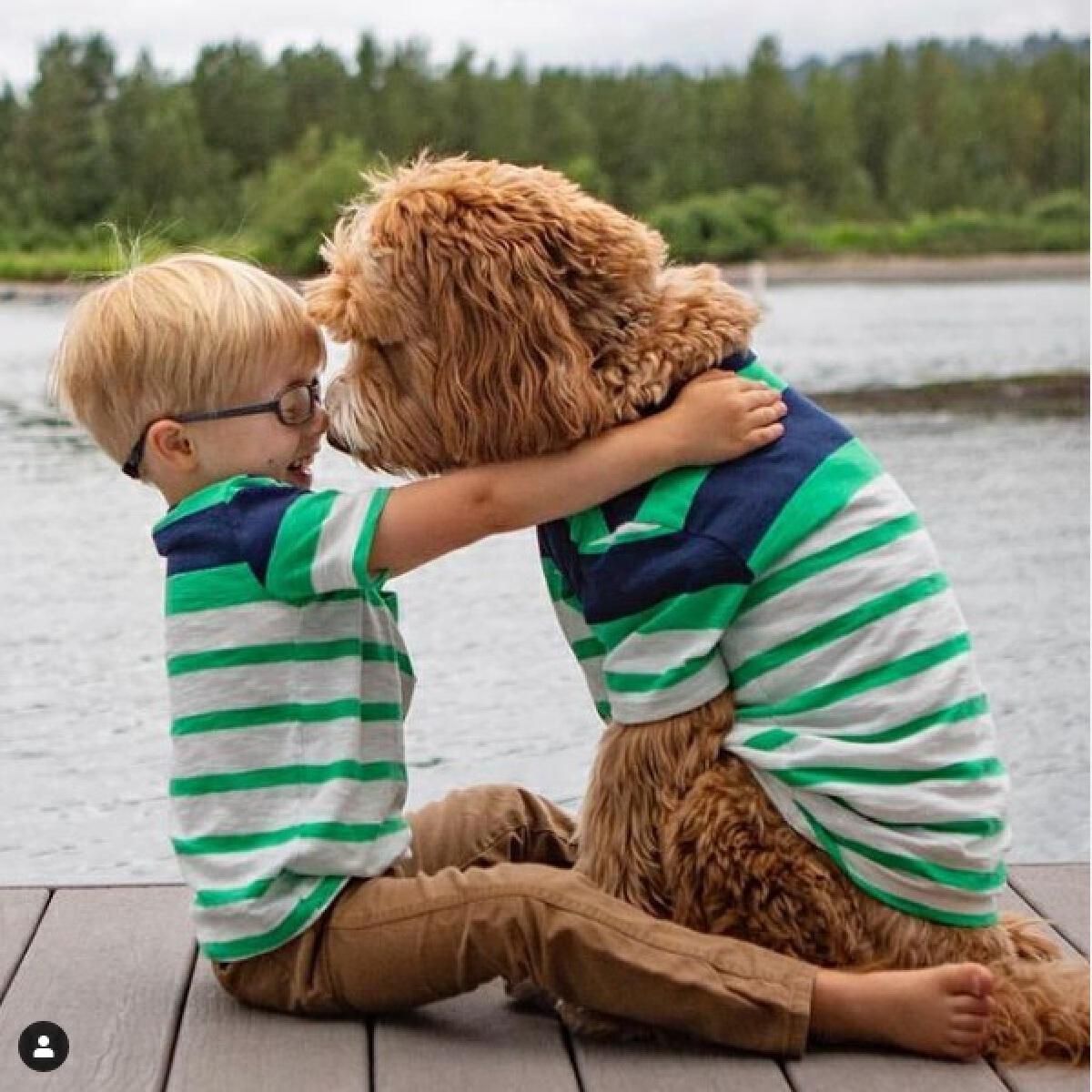คู่หูเด็กน้อย-น้องหมา เติบโตมาด้วยกันทุกวินาที...