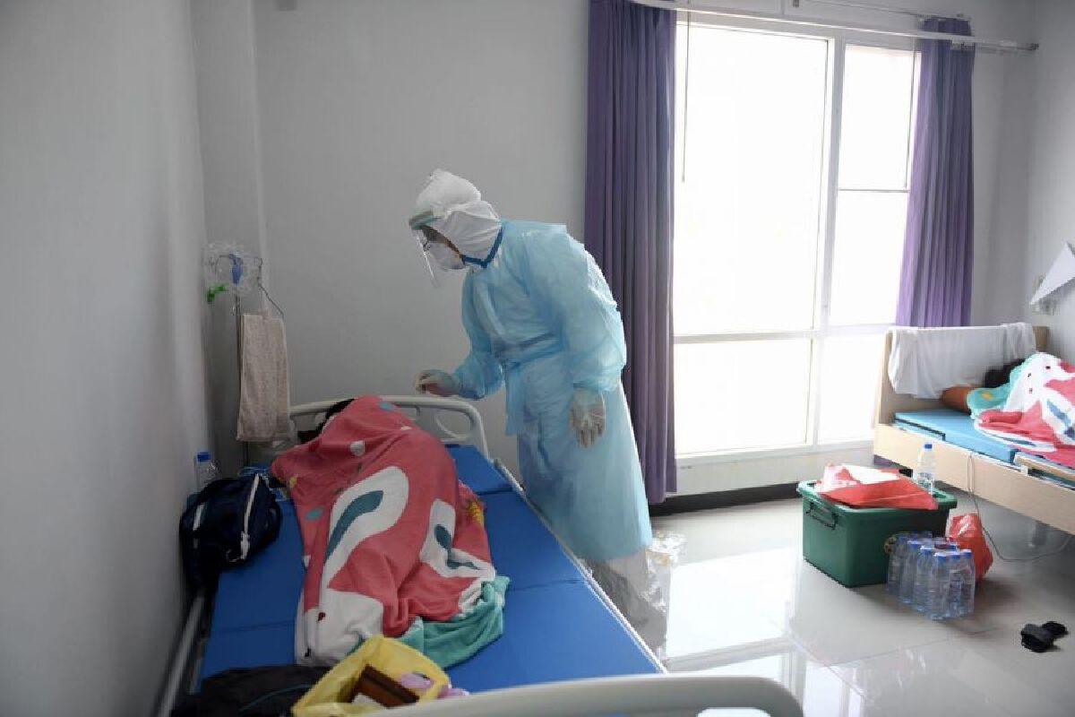 """เช็กเลย! อัปเดตจำนวน """"เตียง"""" รักษาผู้ป่วยโควิด ในโรงพยาบาล กทม."""