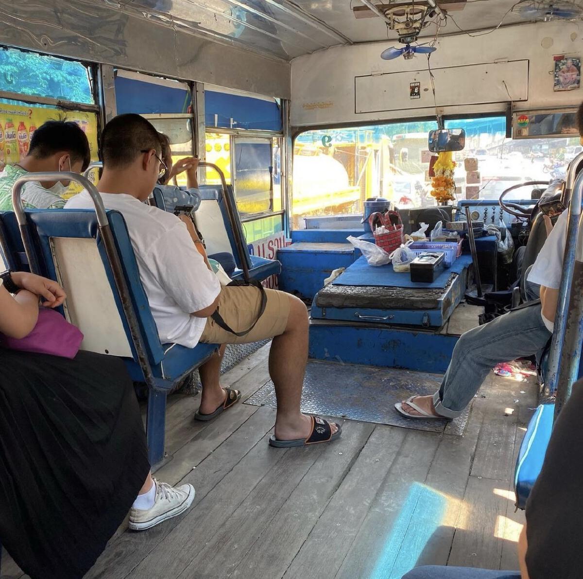 คนขึ้นรถเมล์น้อยลง