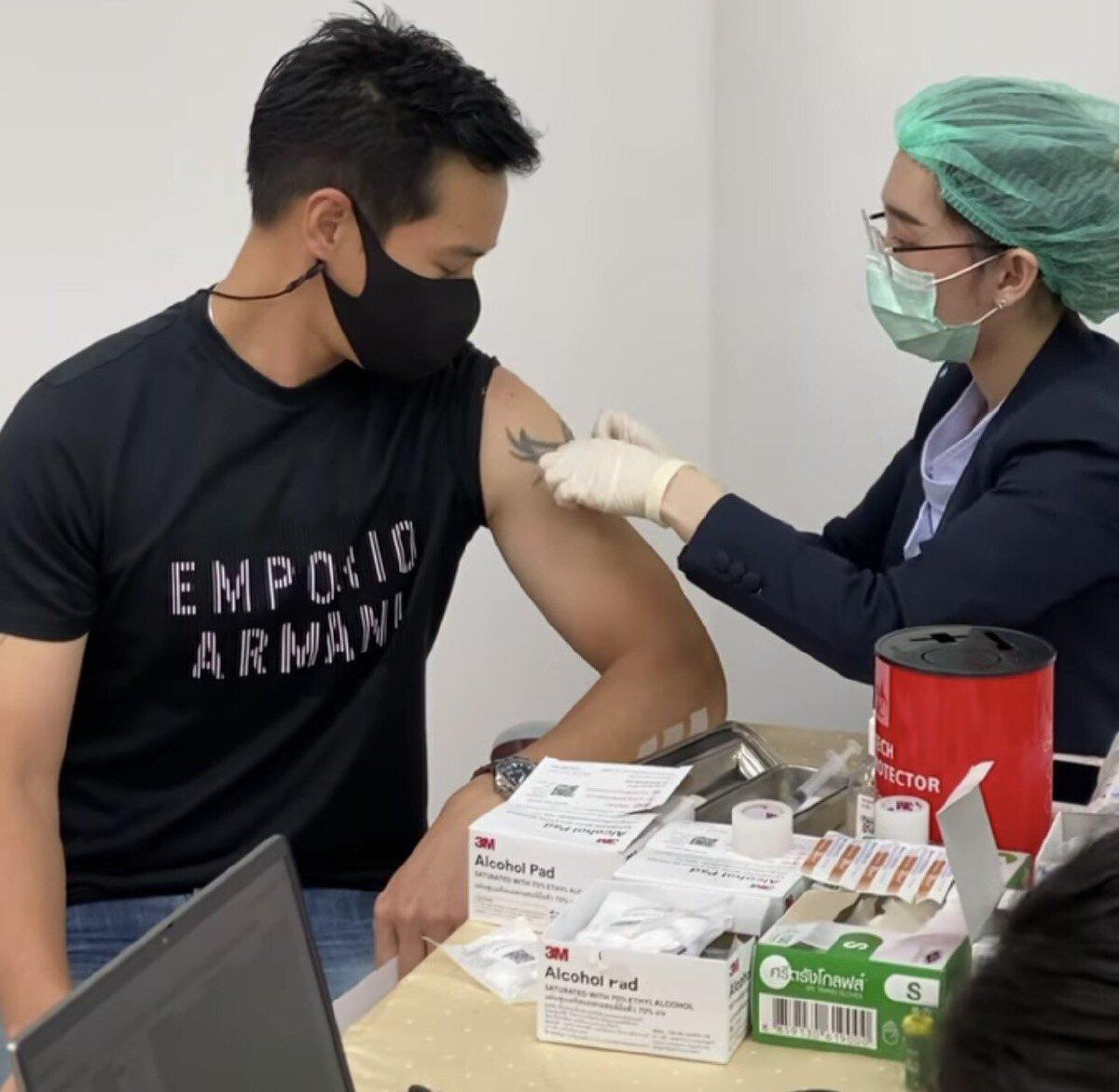 ปีเตอร์ คอร์ป เข้ารับวัคซีนโควิด เผยเหตุผลที่ฉีดเพราะอยากใช้ชีวิตปกติ
