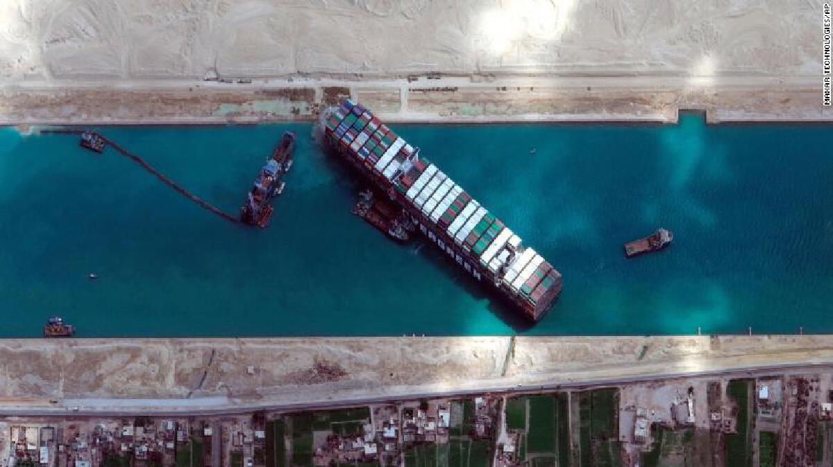 แผนขุดคลองสุเอซให้กว้างขึ้น เพียงพอจะไม่ทำให้เรือขวางอีกไหม ?