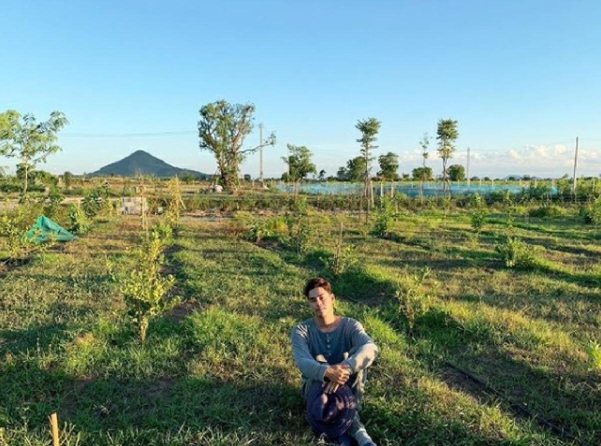 เพ็ชร ฐกฤต ไร้งานช่วงโควิด จึงผันตัวเป็นชาวสวน เรียนรู้วิถีเกษตรผสมผสาน