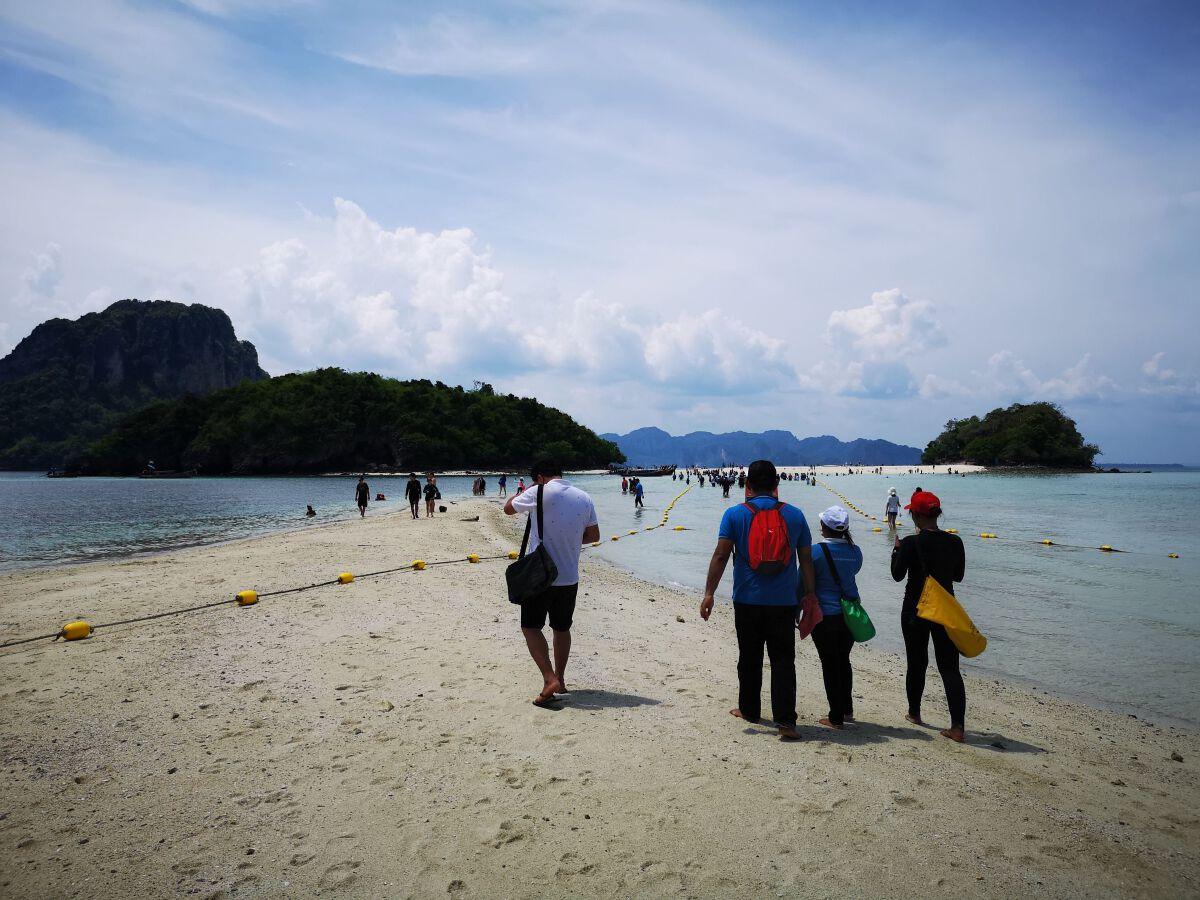 ทะเลไทยยังสวยงามรอนักท่องเที่ยว