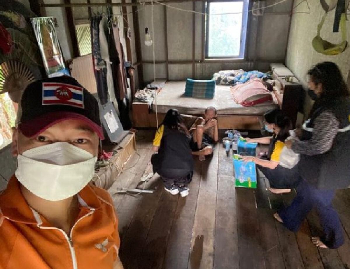 ท็อป ดารณีนุช ช่วยโควิด ส่งนม-สิ่งของช่วยเหลือเด็กและคนชราตามชุมชนต่างๆ