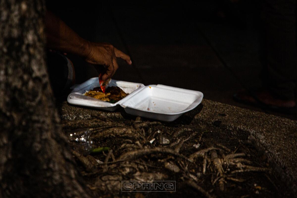 คืนล็อคดาวน์ ของคนไร้บ้าน ผลกระทบจากที่รัฐบาลออกมาตราการล็อคดาวน์