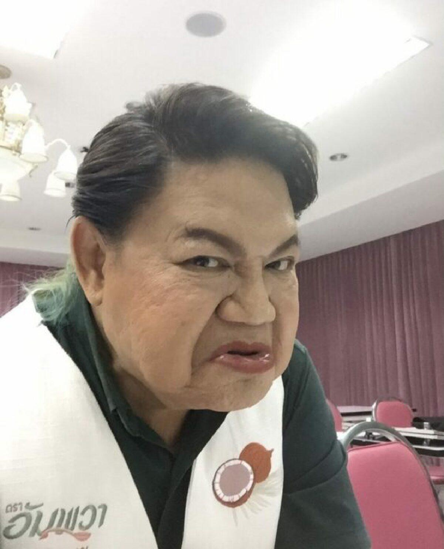 หญิง รฐา-แทค ภรัณยู แท็กทีมซัดรัฐบาล ปมล็อกดาวน์-นายกฯไม่รับเงินเดือน