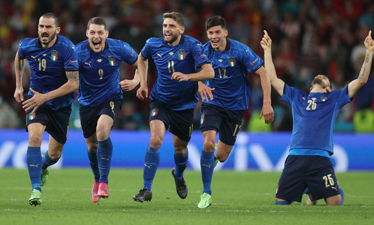 อิตาลี - อังกฤษ ตารางบอลยูโร 2020 รอบชิงชนะเลิศ เตะวันไหน เช็กเลย