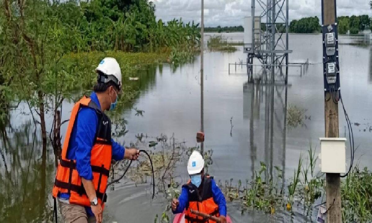 ดีแทคนำเครื่องปั่นไฟฉุกเฉินช่วยน้ำท่วม ที่ได้รับผลกระทบพายุเตี้ยนหมู่