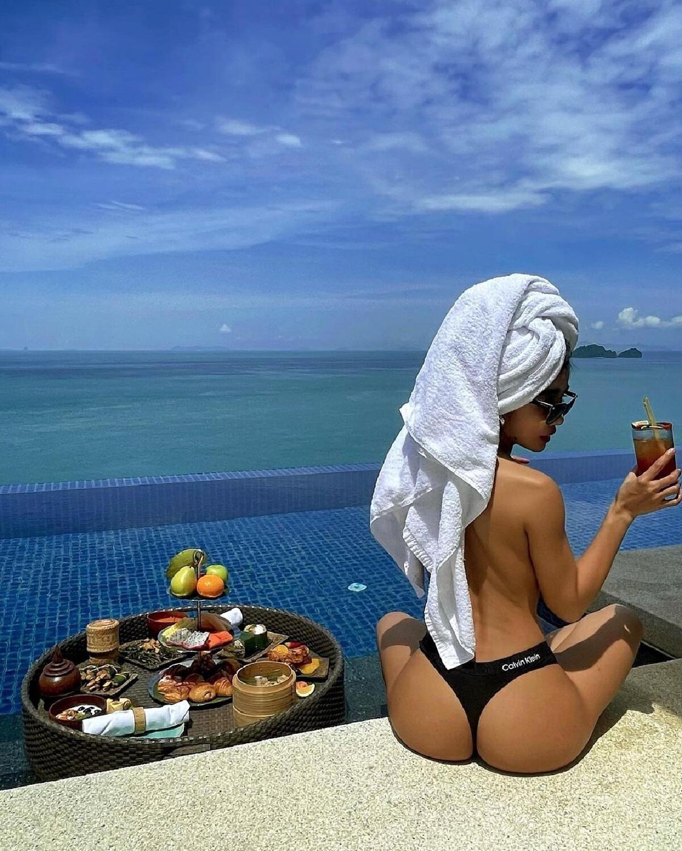 กระแต อาร์สยาม โชว์ความเซ็กซี่ริมสระ รีวิวเที่ยวเกาะสมุย ปลอดภัยโควิด