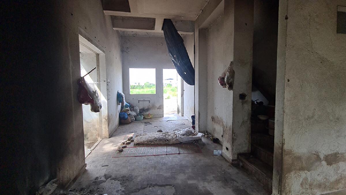 สาวอาศัยอยู่บ้านร้าง ในไลฟ์สดช่วยหมูป่า โต้ ไม่ได้ถูกทารุณทางเพศ
