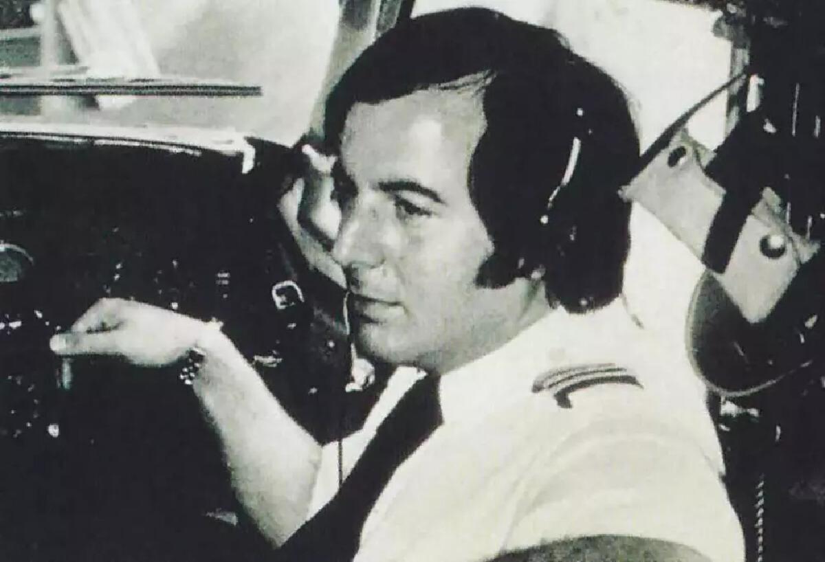 แฟรงก์ อบาเนล ตอนเป็นผู้ช่วยนักบิน