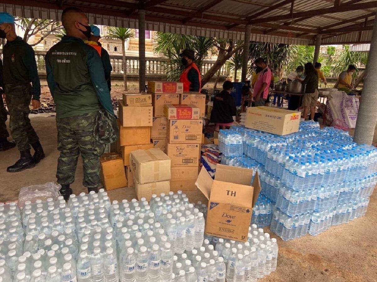 บุ๋ม ปนัดดา ส่งทีมองค์กรทำดี ลงพื้นที่ 5 จังหวัด เร่งช่วยเหลือภัยน้ำท่วม