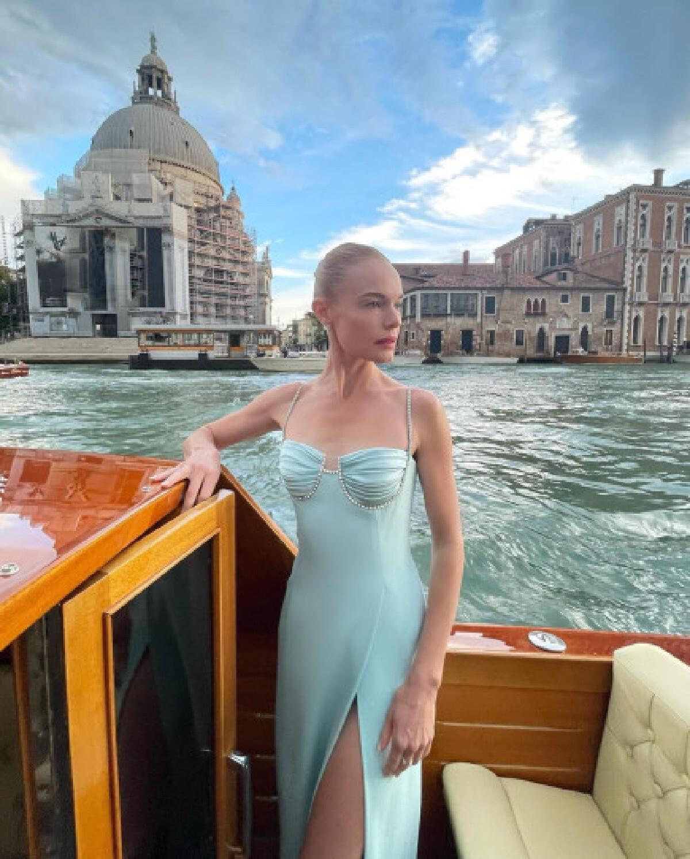 เซเลบตัวแม่ตบเท้าร่วมงานแฟชั่นโชว์ Dolce & Gabbana Alta Moda 2021 ที่เวนิส