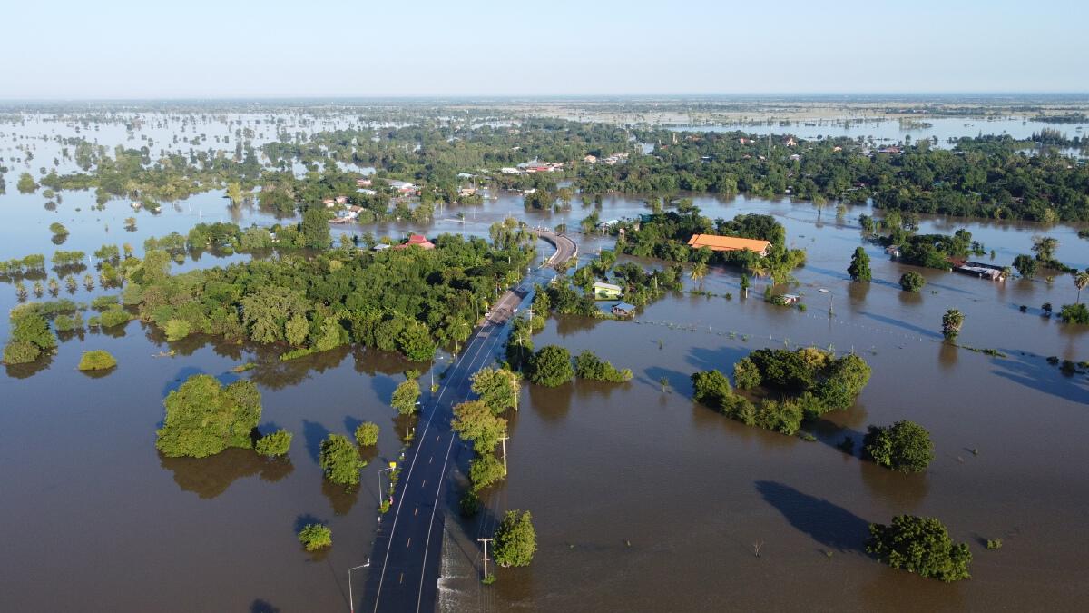 สถานการณ์น้ำท่วมในหลายพื้นที่ เข้าขั้นวิกฤต