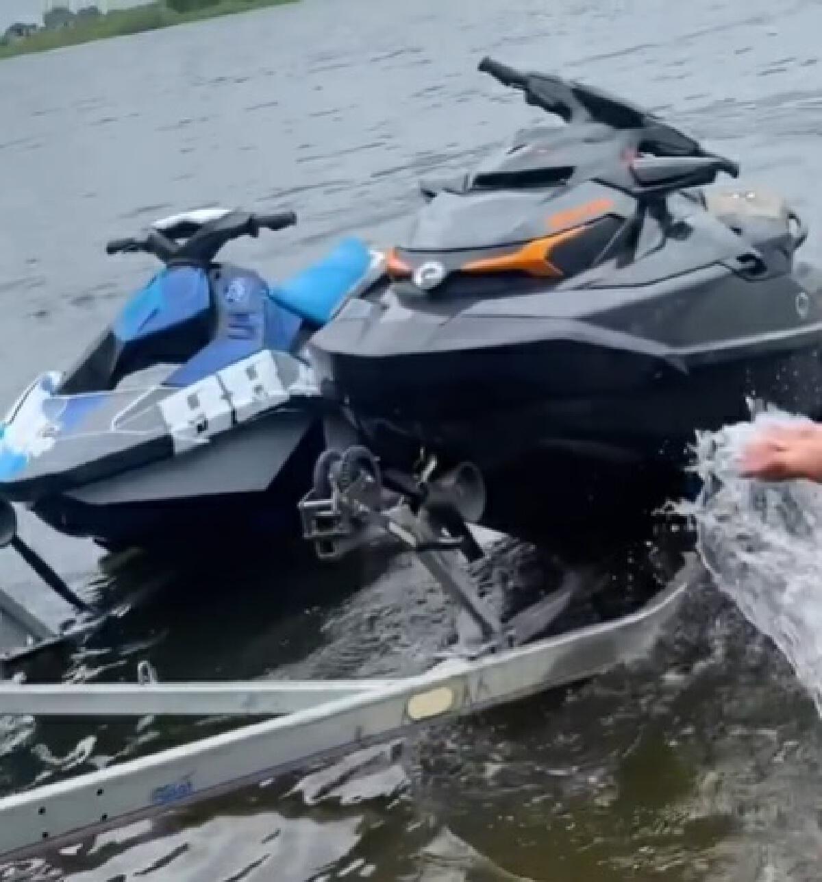 เปิ้ล นาคร ไม่ทิ้งคนไทย เตรียมลงพื้นที่ ช่วยเหลือผู้ประสบอุทกภัยน้ำท่วม