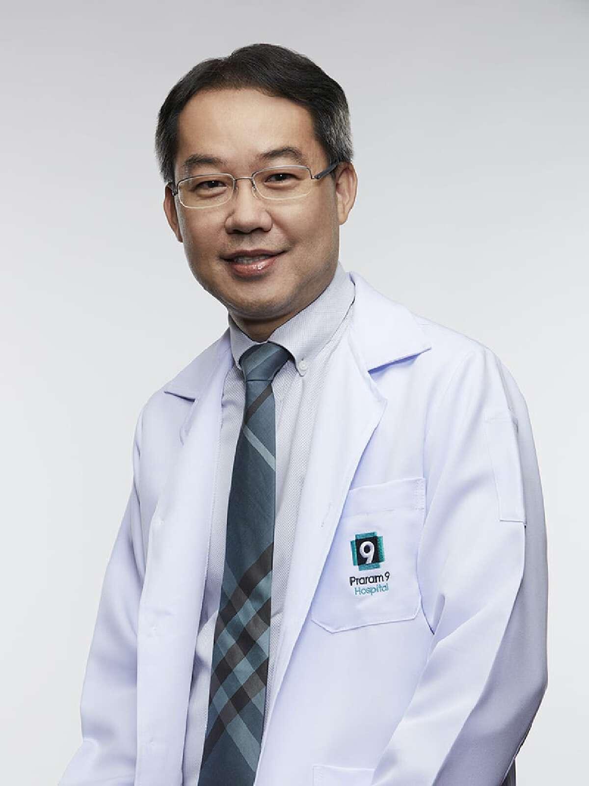 นพ.น๊อต เตชะวัฒนวรรณา ผู้เชี่ยวชาญอายุรศาสตร์โรคไต โรงพยาบาลพระราม 9