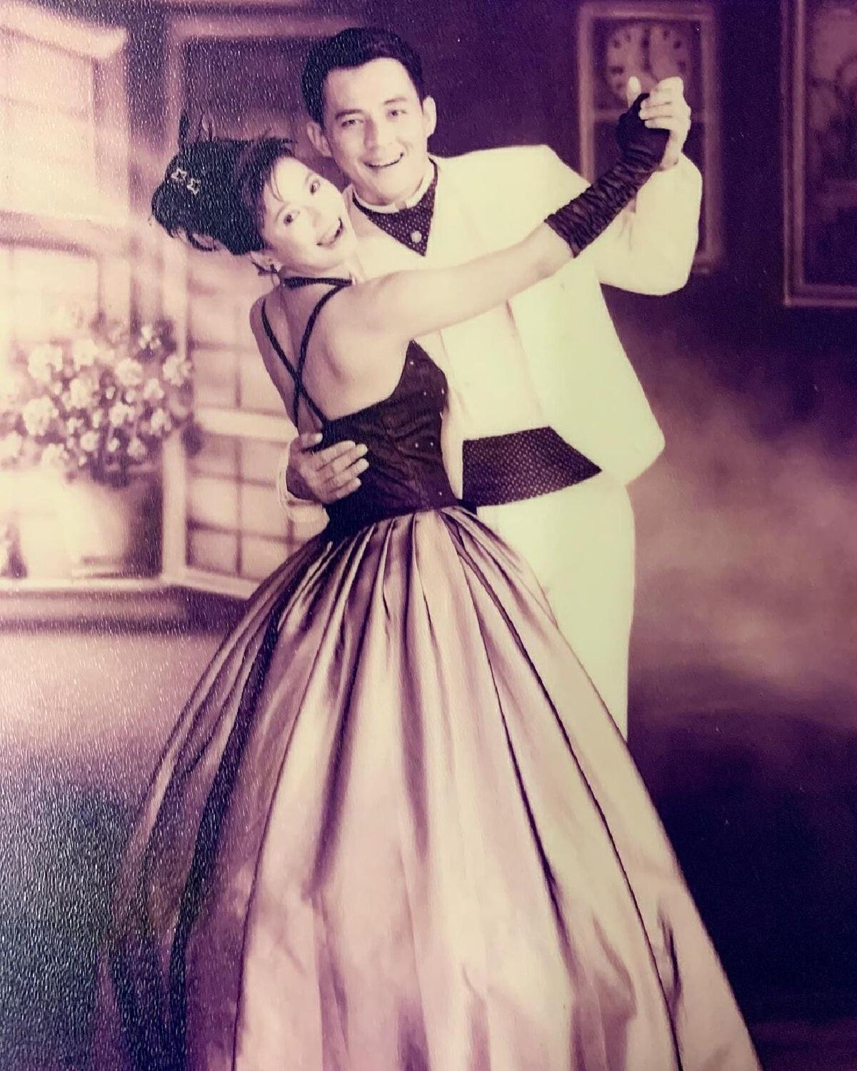 เปิ้ล หัทยา ย้อนวันวานในอดีต ลงรูปเต้นรำกับ ตั้ว ศรัณยู 23 ปียังอบอุ่นในใจ
