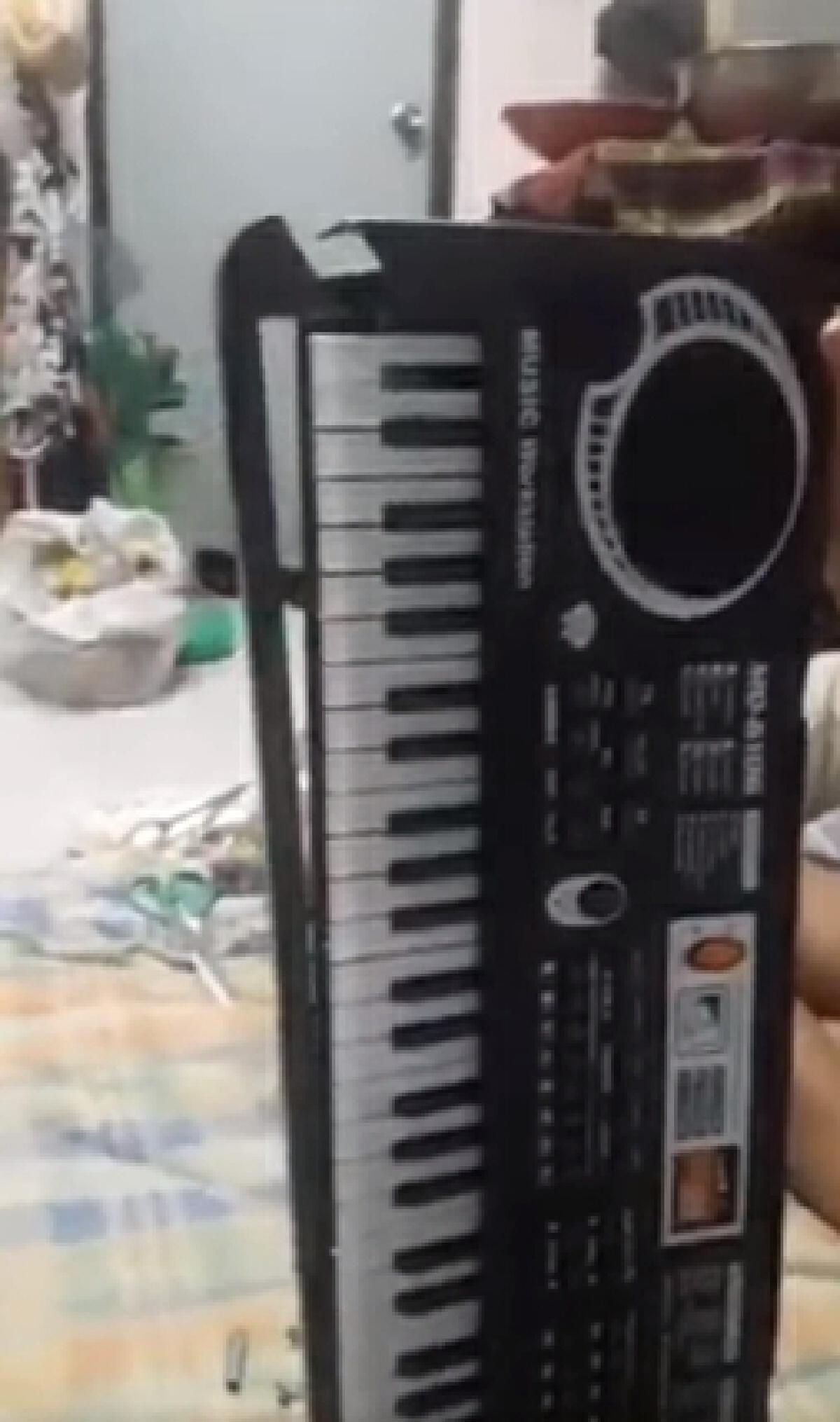 เตือนภัย! เพจหลอกขายเครื่องดนตรี เปิดมาพบเป็นของเด็กเล่น สภาพชำรุด