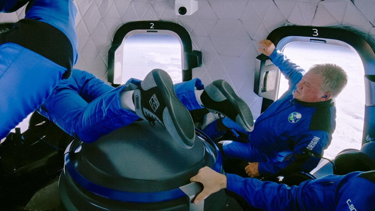 วิลเลียม แชทเนอร์ ขึ้นไปในอวกาศด้วยยานนิวเชเพิร์ด (New Shepard)